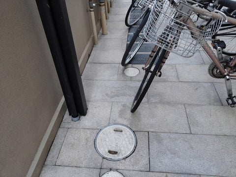 駐輪場の掃き清掃後